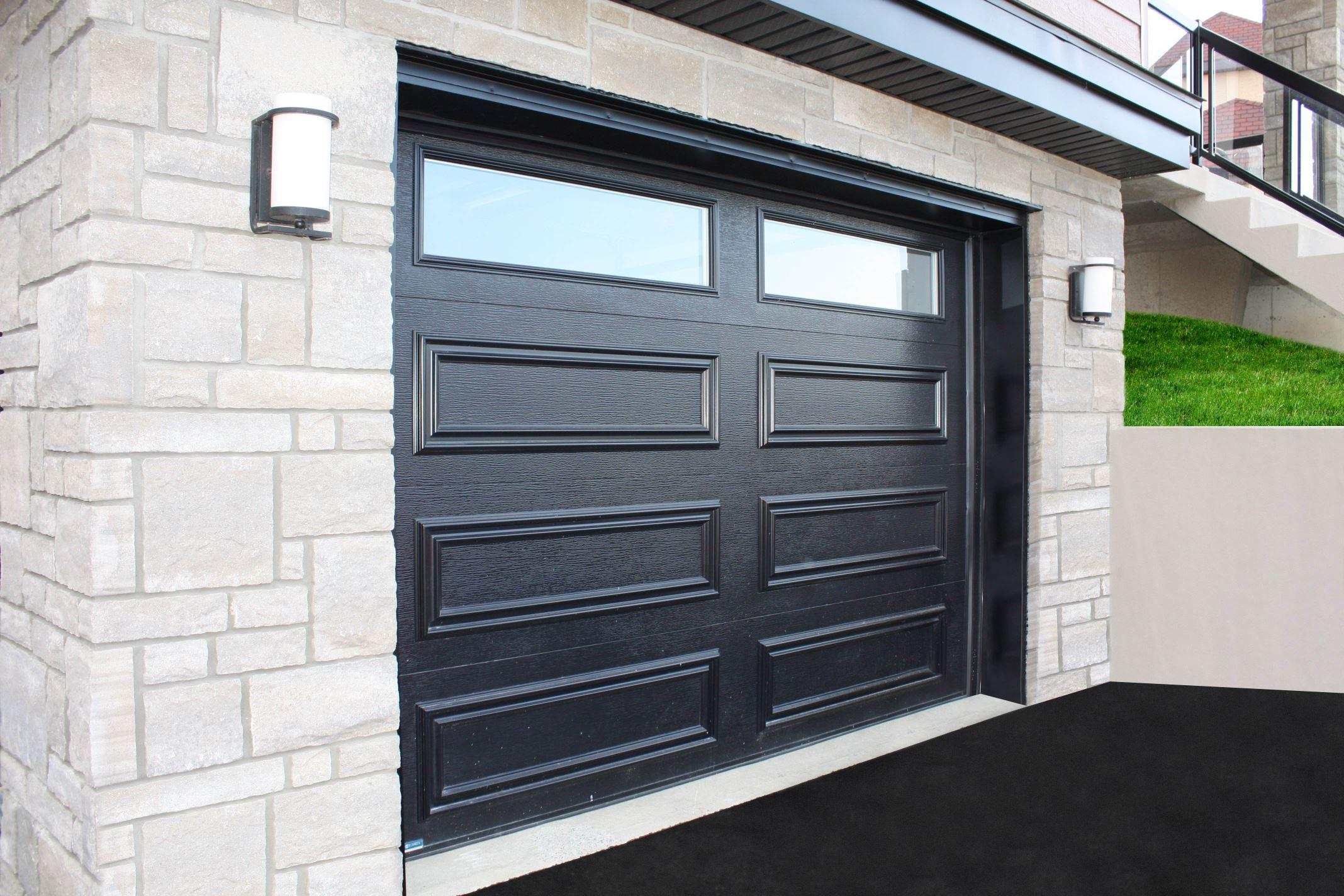 Porte de garage résidentiel